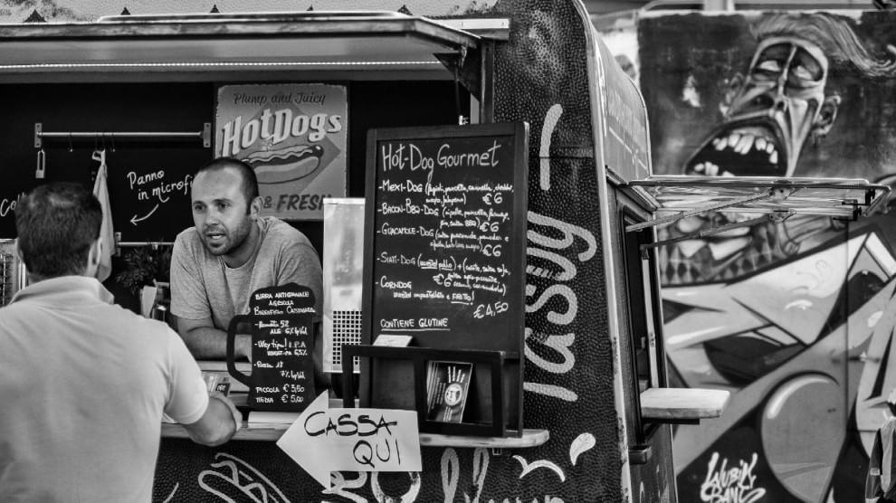 Lo street food italiano è in bianco e nero
