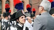 Torino, giuramento alla Caserma Cernaia: le lacrime della carabiniera