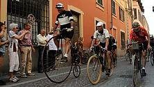Con le bici di una volta sulle strade di Coppi