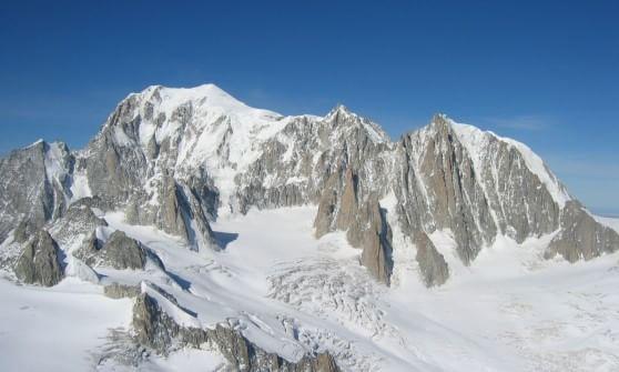 Alpinista Di Moncalieri Precipitato Sul Bianco Cordoglio Su