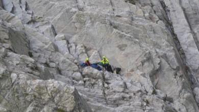 Trovata morta l'istruttrice di parapendio dispersa mentre sorvolava il Monte Bianco