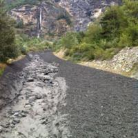 Novalesa come l'Etna, colate di fango nero dalla montagna