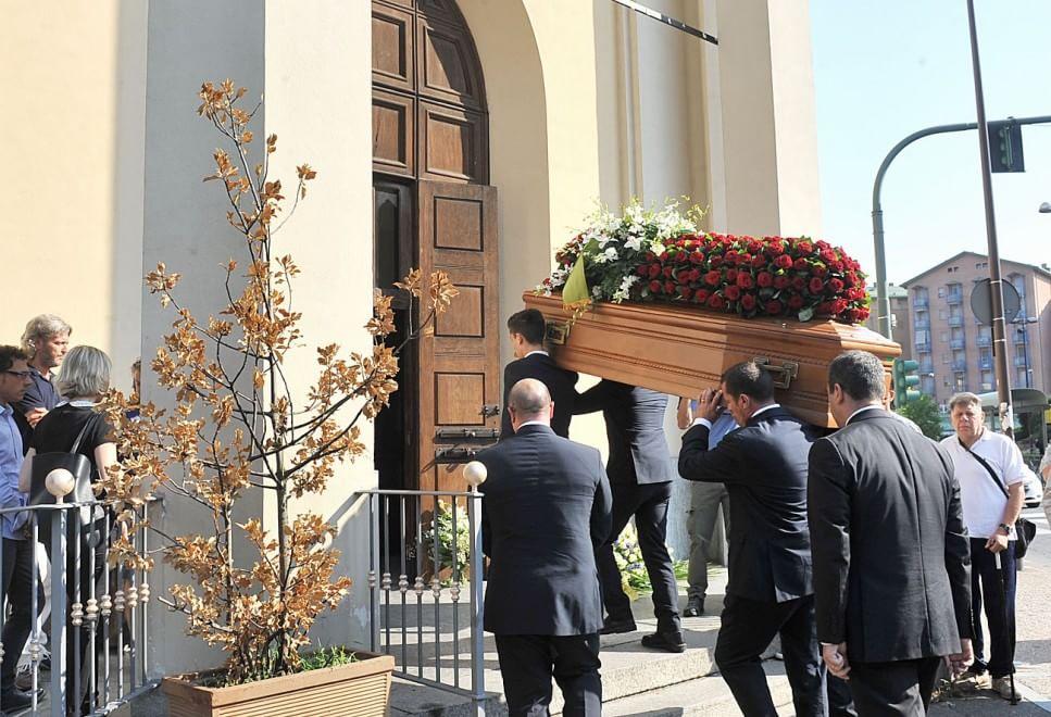 L'addio ad Andrea, morto durante il Tso