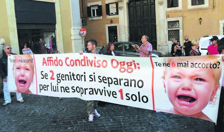 Torino fa da apripista, pronto in Comune il registro per i figli di genitori separati