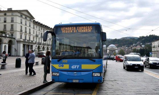 Venaria express gtt rilancia la linea di bus per - Pullman torino porta nuova caselle orari ...