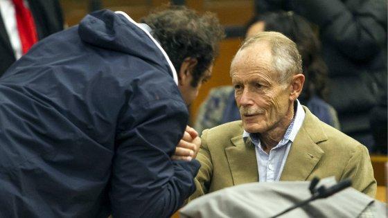 """Erri De Luca assolto per le dichiarazioni No Tav. In Aula aveva ribadito: """"Sabotare è legittima difesa"""""""