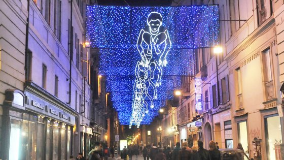 Si accendono le Luci d'artista, illumineranno Torino per le feste