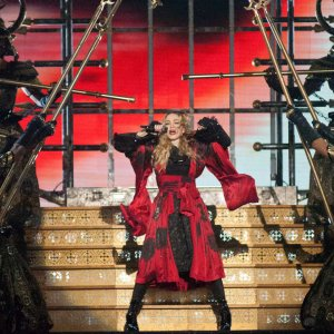 """Madonna incanta la platea di Torino: """"L'Italia è la mia casa e il mio sangue"""""""