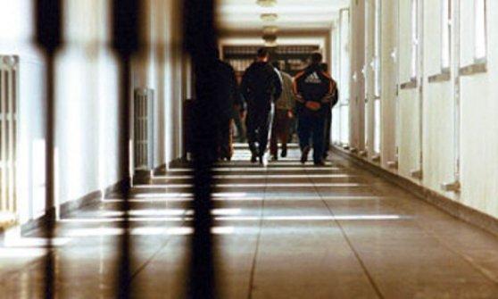 Asti, detenuti lasciati nudi e percossi: per la Corte Europea è tortura
