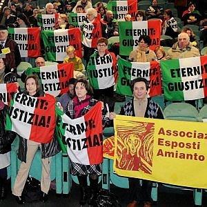 """Amianto, il patron dell'Eternit """"censura"""" Amazon: """"Non vendete quel libro, mi danneggia"""""""