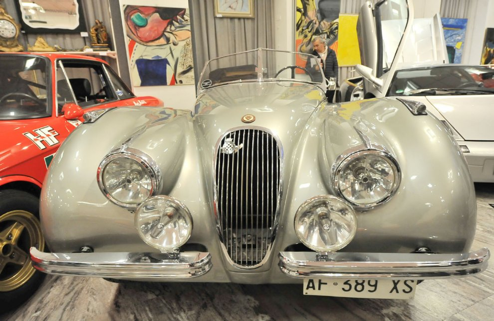 Dalla Bentley di Elton John alla Dune Buggy del '71: ecco l'esposizione della grande asta