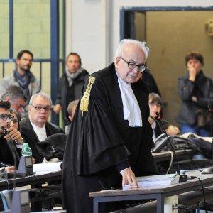 """No Tav, il pm al processo d'appello per l'assalto a Chiomonte: """"E' terrorismo, condannateli a 9 anni e mezzo"""""""