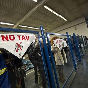 """""""No Tav, quell'assalto non fu terrorismo"""": la Corte d'appello di Torino conferma le quattro assoluzioni"""