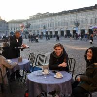 Torino, dicembre sembra marzo: il caffè si serve all'aperto