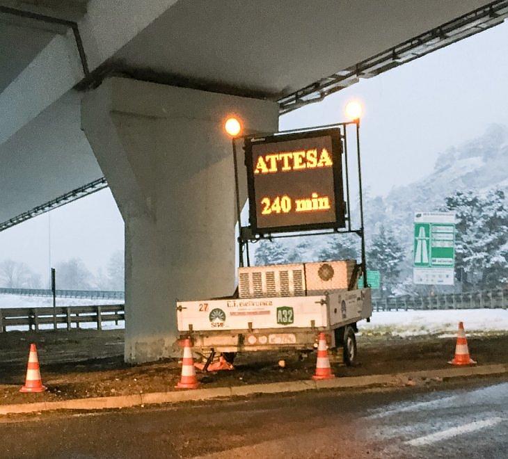 Monte Bianco e Frejus verso la normalità: code ridotte per i controlli antiterrorismo