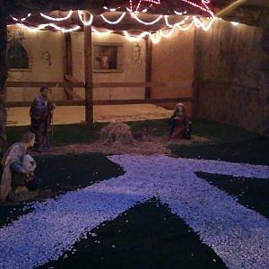 """Torino, rubano la statua di Gesù dal presepe e si """"costituiscono"""" con i genitori dal parroco"""