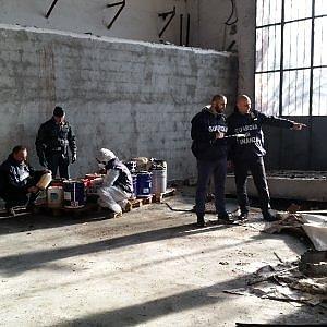 Torino, 240 tonnellate di rifiuti pericolosi abbandonati in una ex rilegatoria