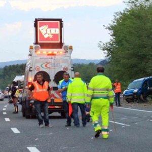 Due morti e due feriti nello scontro tra due auto a Portacomaro