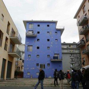 Torino, tre condanne a otto anni per lo stupro dell'ex Villaggio Olimpico del Moi