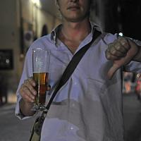 """Addio """"binge drinking"""", nelle terre del vino piemontesi i ventenni bevono meno alcol"""
