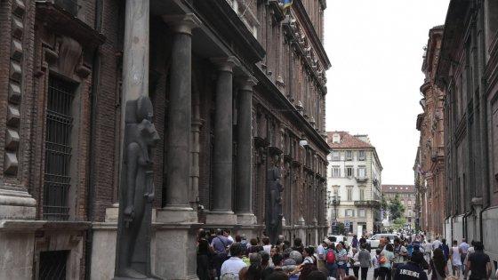 """Torino, una """"filiale"""" del museo Egizio a Catania. La Lega scatena un caso politico"""