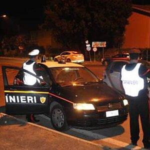 Furgone finisce fuori strada a Cavagnolo, muore un uomo