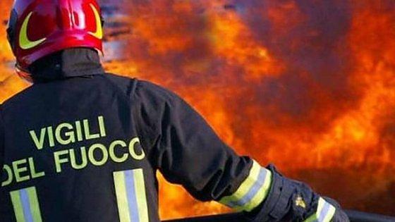 Torino, mazzette per i certificati antincendio: otto in manette, ci sono anche tre pompieri