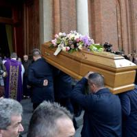 Il parroco di Castellamonte ai funerali della prof uccisa: