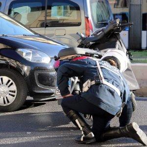 Gassino: moto contro bici, due morti. La tragedia scoperta dal gemello di una vittima