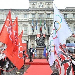 Staffetta olimpica nei quartieri e festa dei volontari per ricordare Torino 2006