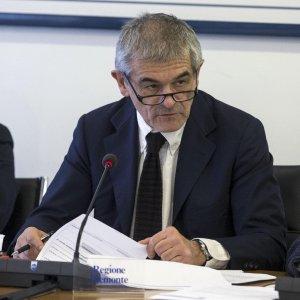 Le paghe in Regione, ora Chiamparino guadagna meno di un consigliere