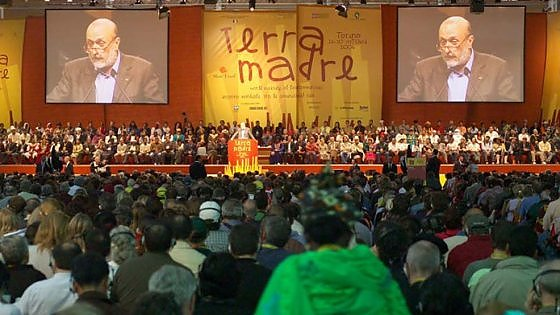 """Torino, Petrini presenta Terra Madre 2016: """"Cibo e giustizia sociale nel nome di Francesco"""""""