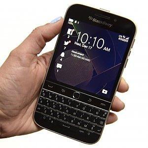 Blackberry dice sì ai giudici: chat decrittate fornite ai pm per un processo a Torino
