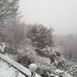 """Maltempo: nevica a Torino, Tir """"scortati"""" sull'autostrada per Savona"""