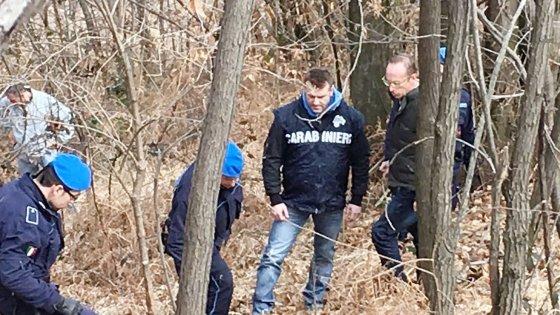 Giallo Rosboch, il complice di Gabriele nei boschi a caccia della pistola sparita