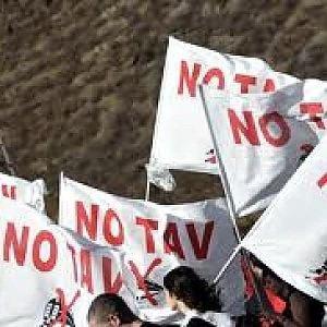 """Il tribunale: """"L'offensiva No Tav in Val Susa non ha un disegno unitario"""""""