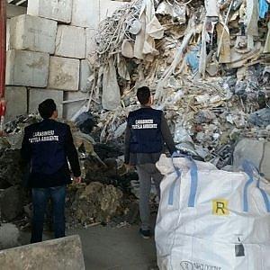Torino, in una discarica abusiva 200 tonnellate di rifiuti pericolosi