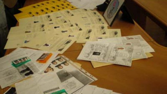 Asti truccavano la dichiarazione dei redditi per avere il for Costo permesso di soggiorno 2016