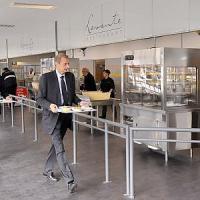 A Mirafiori, rivoluzione in mensa: menu vegetariani e dietista in fabbrica