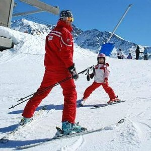Torino, dopo la cura contro il Parkinson torna a fare il maestro di sci
