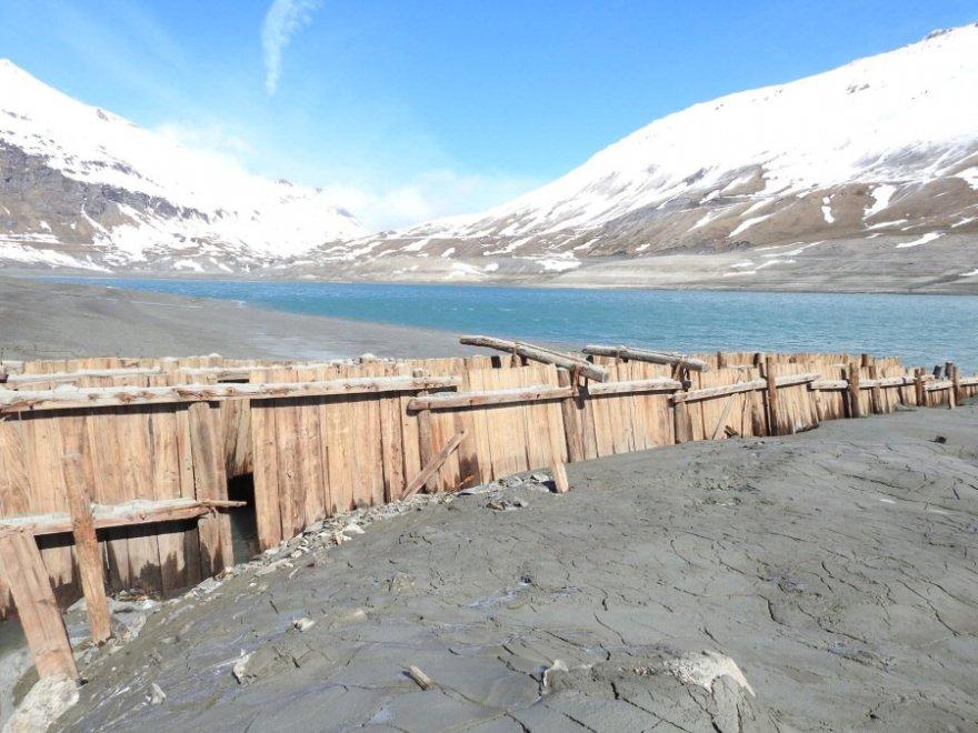 Case ponti antichi bunker val di susa il lago svuotato for Foto di ponti su case