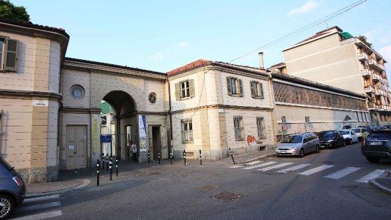 Torino, bimbo rapito da due uomini all'asilo. Poi i sequestratori si arrendono alla polizia