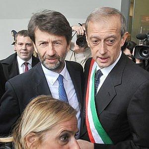 """Torino, Franceschini inaugura il Salone del Libro: """"Aboliremo l'Imu per le librerie"""""""