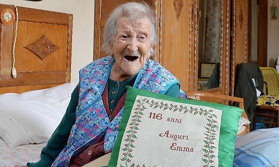Tre uova al giorno il segreto di Emma, da oggi la nonnina del mondo: 116 anni