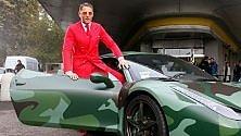 Un milione di euro per la Ferrari mimetica di Lapo: asta benefica anti-Aids