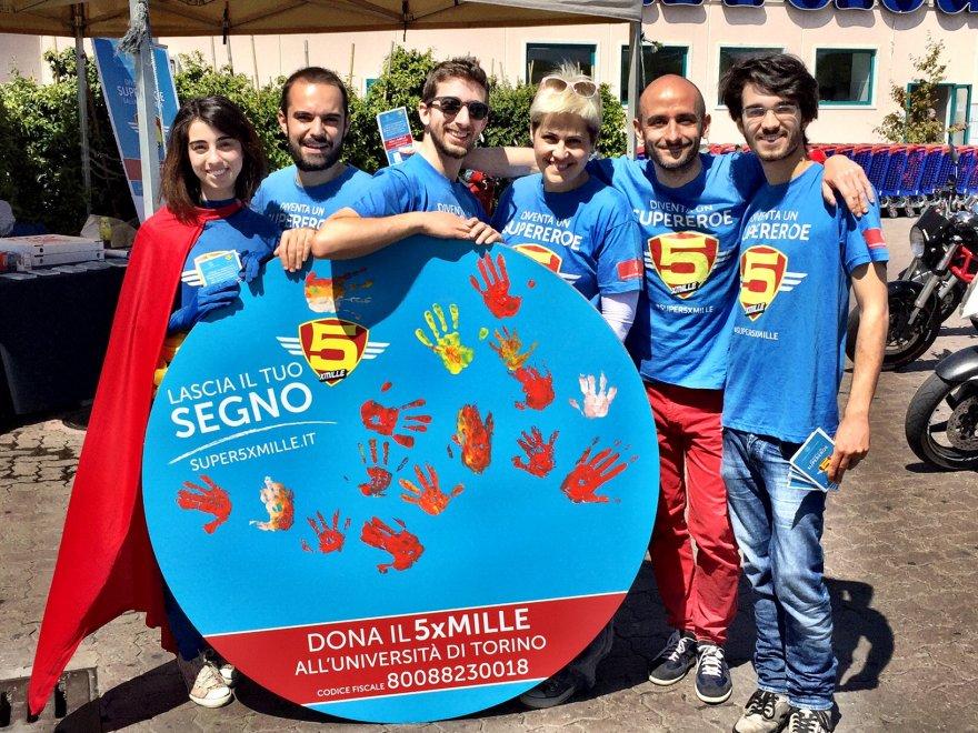 Torino, i ricercatori si mascherano da supereroi per finanziare l'ateneo