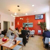 Al Caffè Bolzano un pasto senza orpelli ma servito in marsina