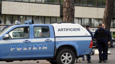 Levaldigi, falso allarme bomba per un pacco sospetto all'aeroporto: conteneva droga