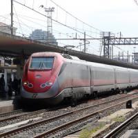 Incendio lungo i binari, treni in ritardo di mezz'ora sulla Torino-Savona