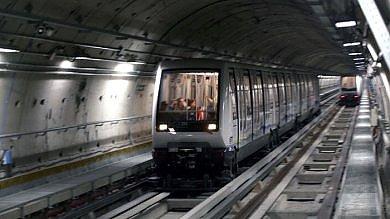 Torino: muore d'infarto sul metrò, linea bloccata per ore da Porta Nuova al Lingotto
